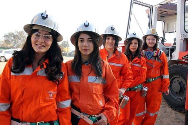 mujeres en mineria