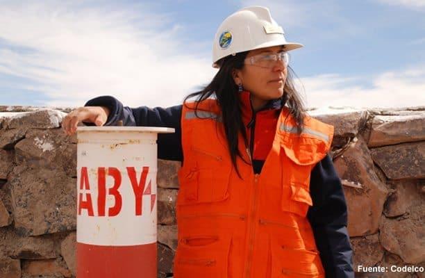 mujer en la mineria
