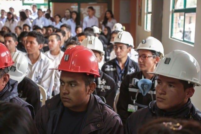 Ministerio de minas busca formalizar la peque a miner a en for Ministerio de minas