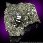 Solo cristal de Bournonite en pirita