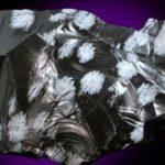 Cristobalita en copo de nieve Obsidiana
