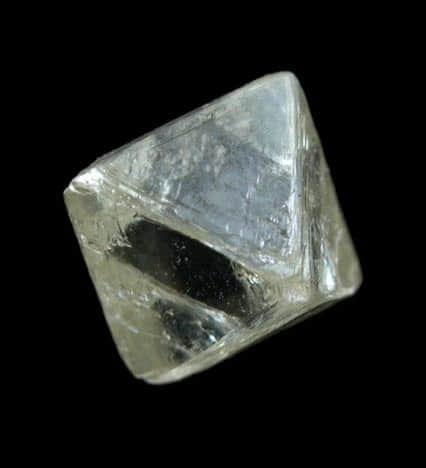 Octaedro de diamante incoloro