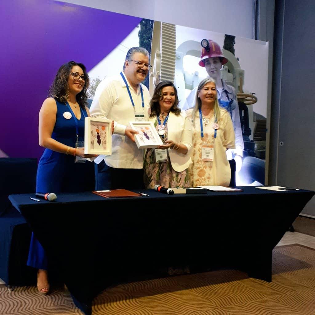 Firma de convenio entre CAMIMEX y WIM México